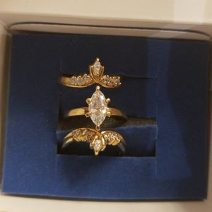 Avon Goldtone Marquis ring NIB